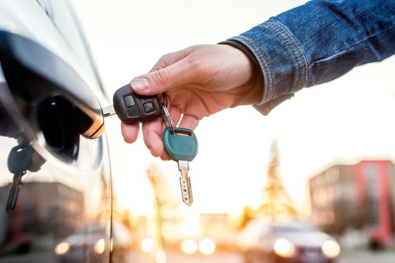 deducción de IVA vehículo de empresa