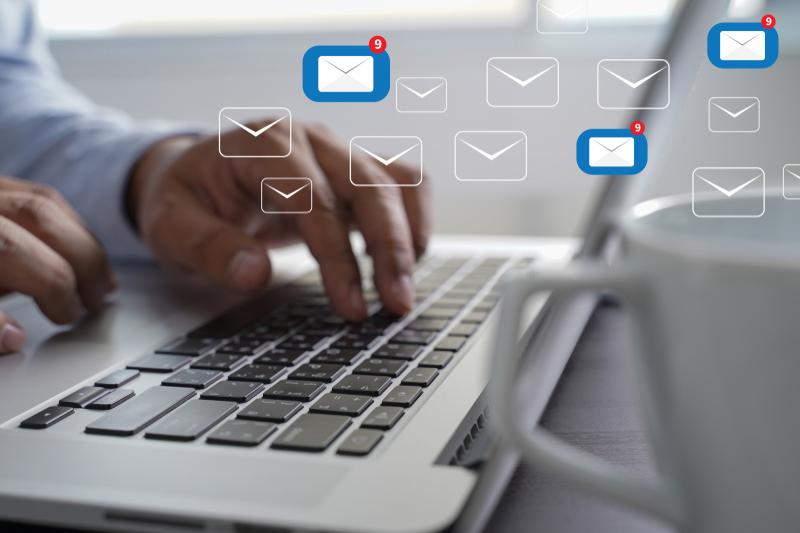 correo electrónico particular de un trabajador